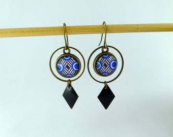 """""""Blue spiral"""" round connector and sequin black diamond earrings"""