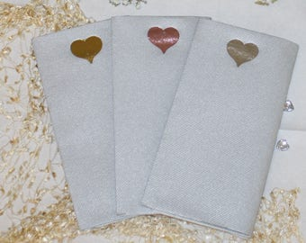 Foil heart on large size silver paper napkins with the look and feel of linen (Pack of 20)