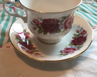 Vintage Red and Pink Roses 2 Piece Tea Cup Set Queen Anne Made in England #4114
