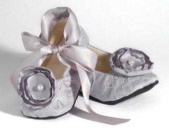 Grey Lace Baby Shoe, Silver Flower Girl Ballet Slipper, Toddler Wedding Shoes, Little Girls Ballet Flat, Dance shoes, Baby Souls Baby Shoes