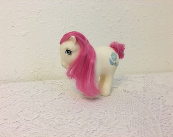 April Daisy Birth Flower Pony, My Little Pony, vintage G1 My Little Pony, Friendship is Magic
