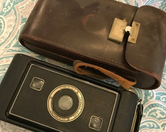 Vintage Jiffy Kodak Camera w/ Case