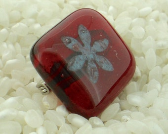 Blood Red Fused Glass Pin Brooch.Semi Transparent with an Encased Daisy Flower. Small Rounded Edge Square Shape - Gift Boxed