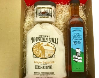 Maple Syrup Bottle Gift Set - 500m Artisan Bottle of Pure Vermont Maple Syrup, 1 lb Bag of Pancake Mix, and a 8 oz Jar of Maple Cream
