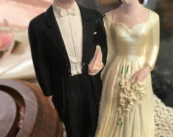 """Vintage 40's """"WEDDING CAKE TOPPER"""" - Chalk Ware Bride & Groom - Glass Dome Display Cloche with Base"""