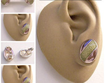 Monet Pink Tinted Green Oval Clip On Earrings Silver Tone Plated Textured Pebbled Slant Wide Band Accent Copyrighted Comfort Paddles