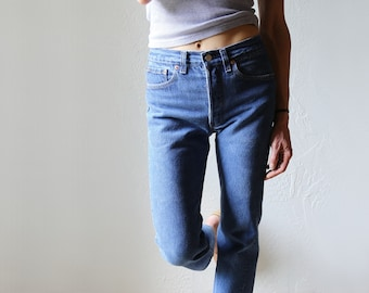 Levi's 501 Jeans // Button Fly Cropped 26