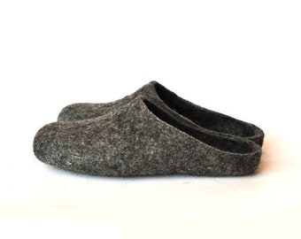 SPRING SALE Eco friendly natural grey colour handmade felted slippers - men