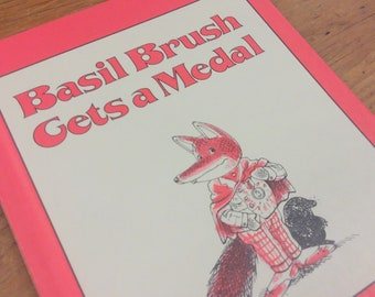 Basil Brush Gets A Medal by Peter Firmin, Weekly Reader Children's Book Club, Fictional Fox Personality 1970's