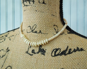 Shell Puka Vintage Necklace - Vintage Jewelry Beachcomber Surfer - Gift for Her or Him - Beaded Shells