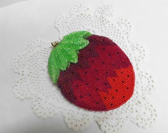 Seed Bead Strawberry Change Purse Vintage Hand Made in Japan by DeLill 1950's Beaded Bag Change Coin Purse Make Up Pouch Kiss Me Open Close
