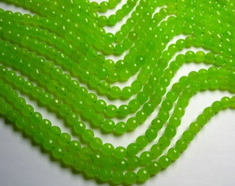 Jade - 8 mm faceted round beads -1 full strand - 48 beads -  Color jade - Green lime  - JDC1