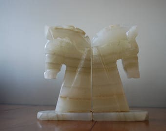 Pair of Cream Marblized Onyx Horse Head Bookends - Monochromatic - Chessmen - Mid Century - 1970s