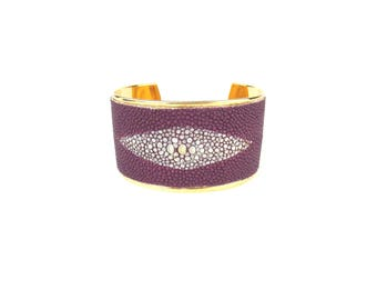Unique piece - Cuff HORUS raspberry- line of Leather -  Stingray - designer jewelery made in France