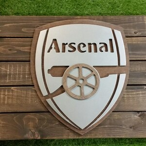Aresenal FC Soccer Sign with Maple Backdrop  Metal Style Sign  MDF Board Cut Out Logo With Faux Metal Finish  Rustic Pallet Wood