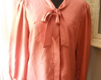 Vintage new old stock Mauve PINK Secretary Blouse with tie neck size 8