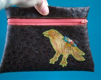Bird love pouch