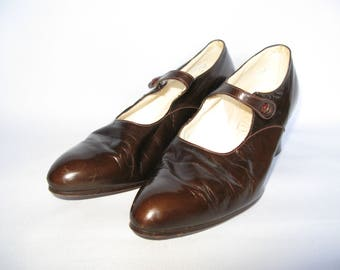 1920's or 1930's Chocolate Brown Glace Leather Mary Jane Shoes - UK 4
