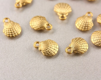 24k Gold Shell Charm, 10 Pcs Gold Shell Pendants, (13mm x 10mm) Matte Gold Pendant, Metal Gold Plated Charms, Shell Gold Charms / GPY-203