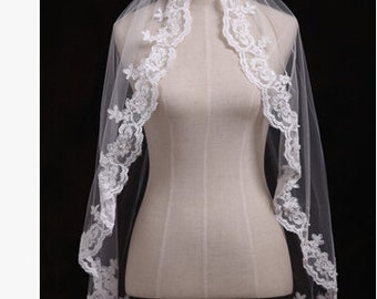 Beautiful wedding veil veil with comb lace flower white veil off white short veil veil in handmade