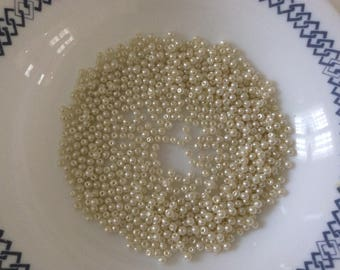 Glass beads Pearl 3 mm in a set of 10 ivory gr