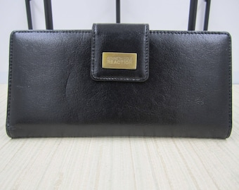 Kenneth Cole Reaction  black genuine leather wallet
