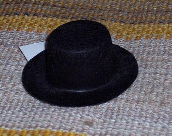 Felt top hat,3 inch oval.snowman hat,stiffened felt,plain,undecorated,black,doll,teddy,craft,winter,holiday,Christmas