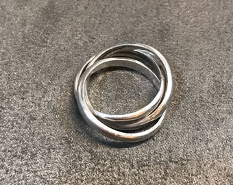 size 7, vintage Sterling silver handmade ring, solid 925 silver entwined band, stamped 925 mexico