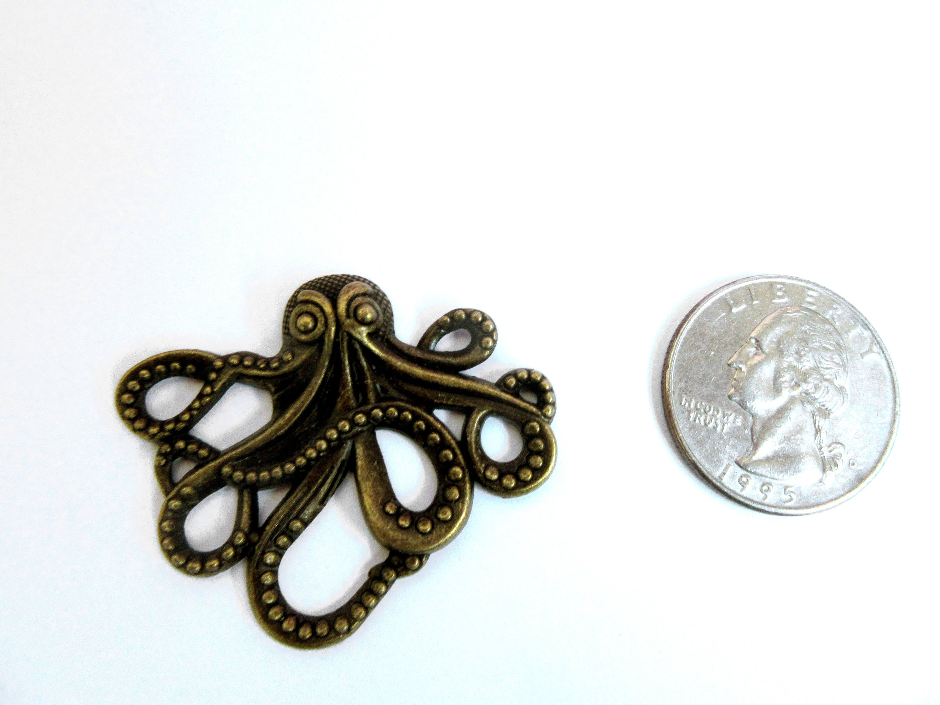 gold pendant or octopus