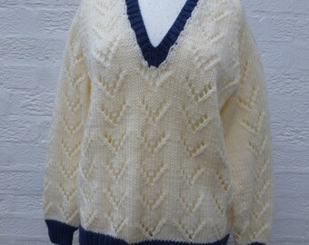 Sweater knit jumper ladies sweater knitted jumper 90s wool clothing knit cream jumper handknitted sweater vintage jumper handmade wool top.