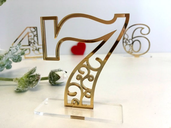 Wedding Table Numbers Elegant Table Centerpiece Reception table number Party decor Gold Acrylic Freestanding Numbers Clear base Wedding Sign