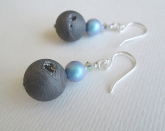 Grey agate and Swarovsky earrings, electroplated frosted gemstone, iridescent light blue Swarovsky pearl and shiny silver Swarovsky crystal