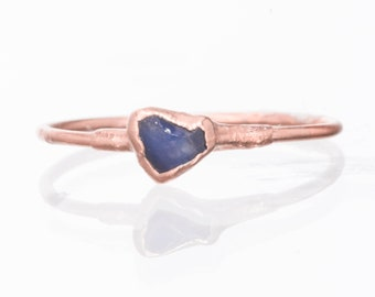 Mini Raw Sapphire Ring, Rose Gold Ring, Delicate Ring, Engagement Ring, Dainty Ring, Raw Crystal Ring, Raw Stone, September Birthstone Ring