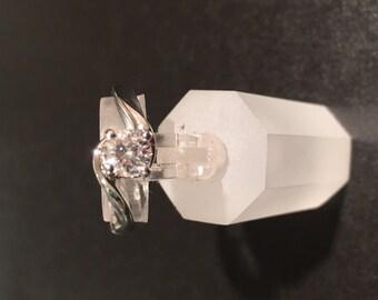 White Gold Women's Diamond Ring