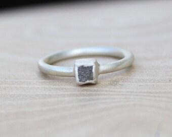 Silver-Grey Rough Diamond Ring - Satin Finish. Alternative engagement ring. Solitaire rough diamond ring.