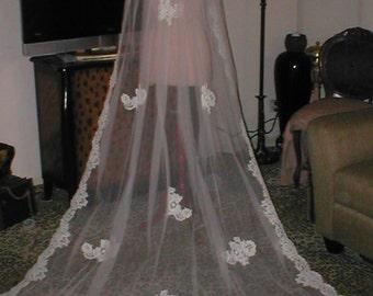 Long Vintage IVORY Alencon Lace Mantilla Bridal Veil