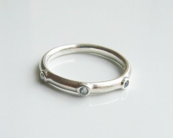 Vintage 925 Sterling Silver Blue Stone Band Ring Size 5 1/2 - K 1/2