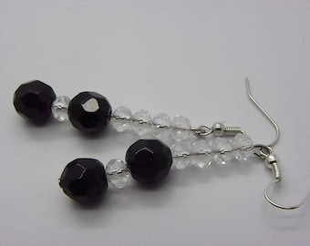 Black 10 mm with five pearls way white Crystal Pearl Earrings