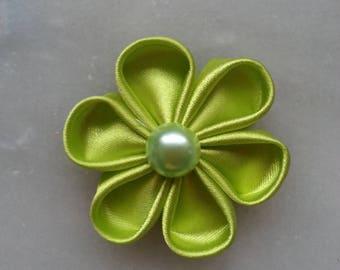 fleur tissu de satin vert anis  5 cm