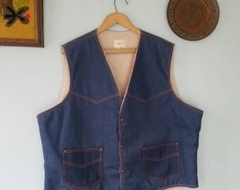 Vintage men's Texco denim sherpa/shearling lined vest; western; trending; southwest