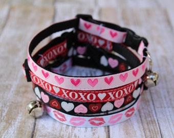 Valentine's Day Cat Collars - Heart Cat collar - XS Valentine Dog Collar - XOXO Cat Collar - Kitten collar - XS Love Dog Collar