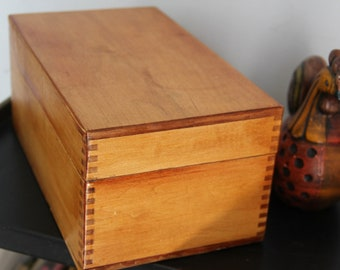 Extra large Vintage Soild wood 3 by 5 recipe box-great metal hardware and box joint, beautiful wood grain rounded corners