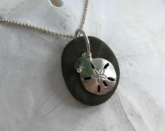 beach stone emerald green sea glass sand dollar necklace, Kennebunk beach stone necklace, sea glass necklace, beach stone necklace