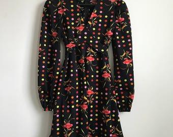 70's Vintage Patterned V-Neck Dress Size Small