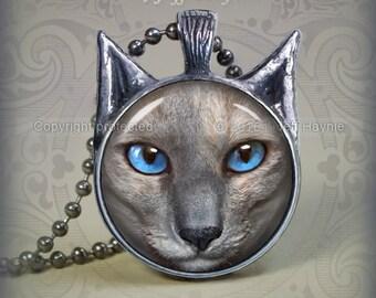 SI8 Oriental Grey Siamese Cat pendant