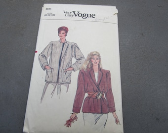 Vintage Vogue Pattern, 1980's Vogue, Very Easy Vogue pattern, size 10 jacket pattern, sewing, dressmaker, vintage clothing, 1980s styles