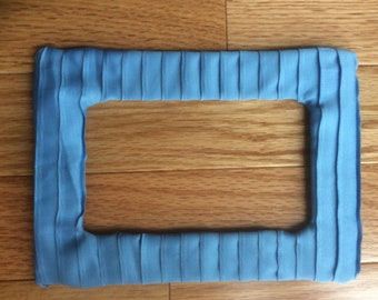 """5"""" x 7"""" pleated silk mat with 3"""" x 5"""" opening"""