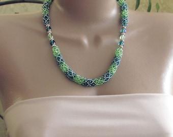 Emerald green necklace, green necklace, green beaded necklace, emerald green bead necklace, green rope, green necklace gift, beaded necklace