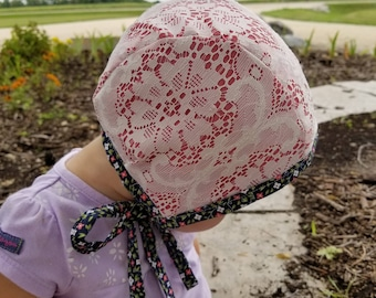 Lace & Tiny Floral Brimless Bonnet