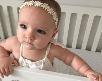 Mini flower crown, adjustable headband for baby, no dent headband, dainty delicate daisy flower crownband